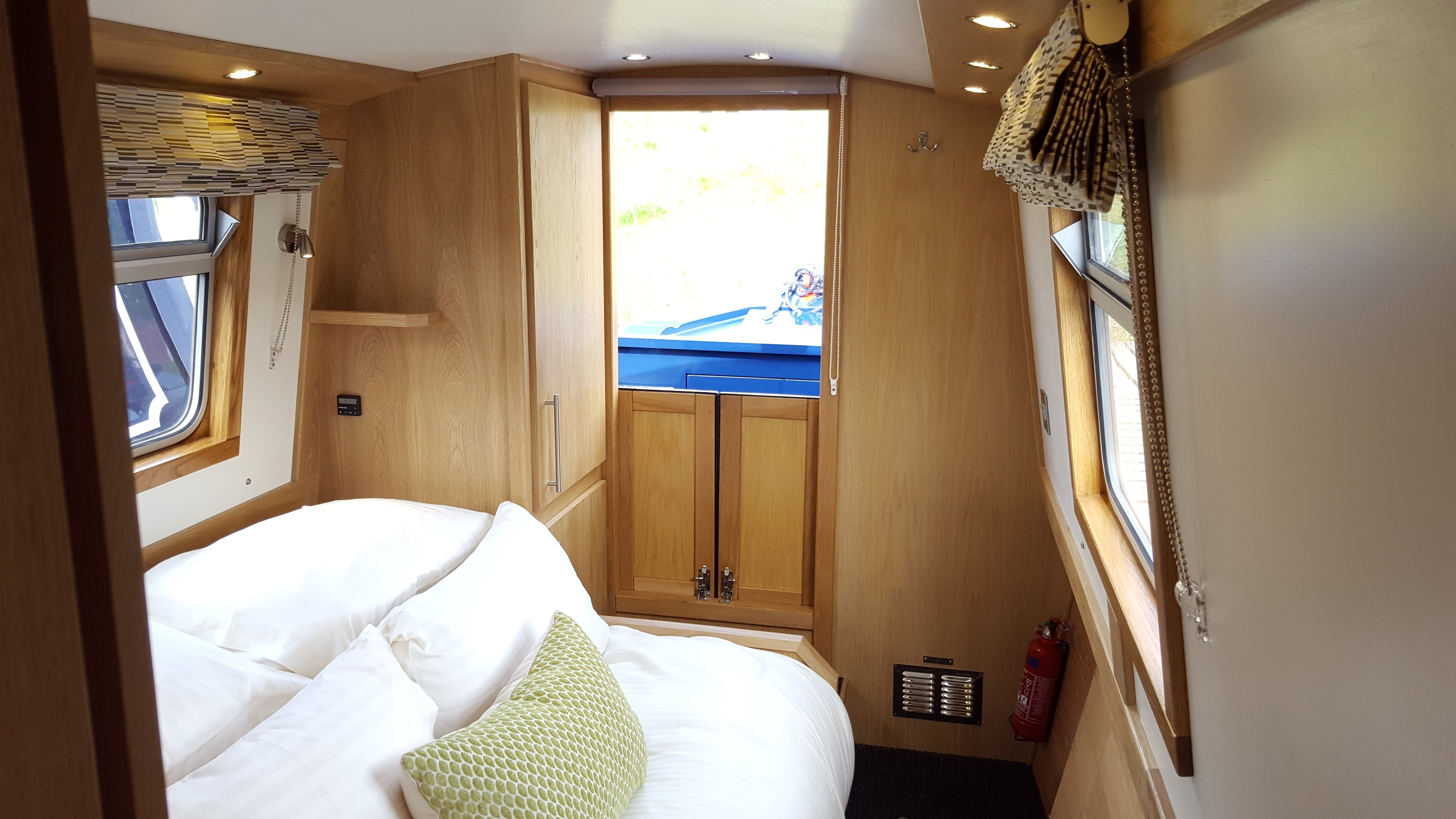 Narrowboat Hire - Luxury Narrowboat Hire | Aqua Narrow Boats