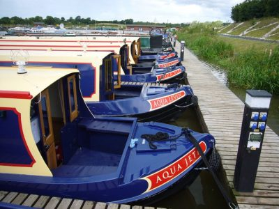 Last minute narrowboat hire