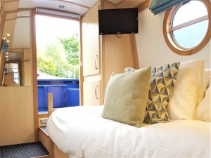 Luxury canal boat holidays 2019