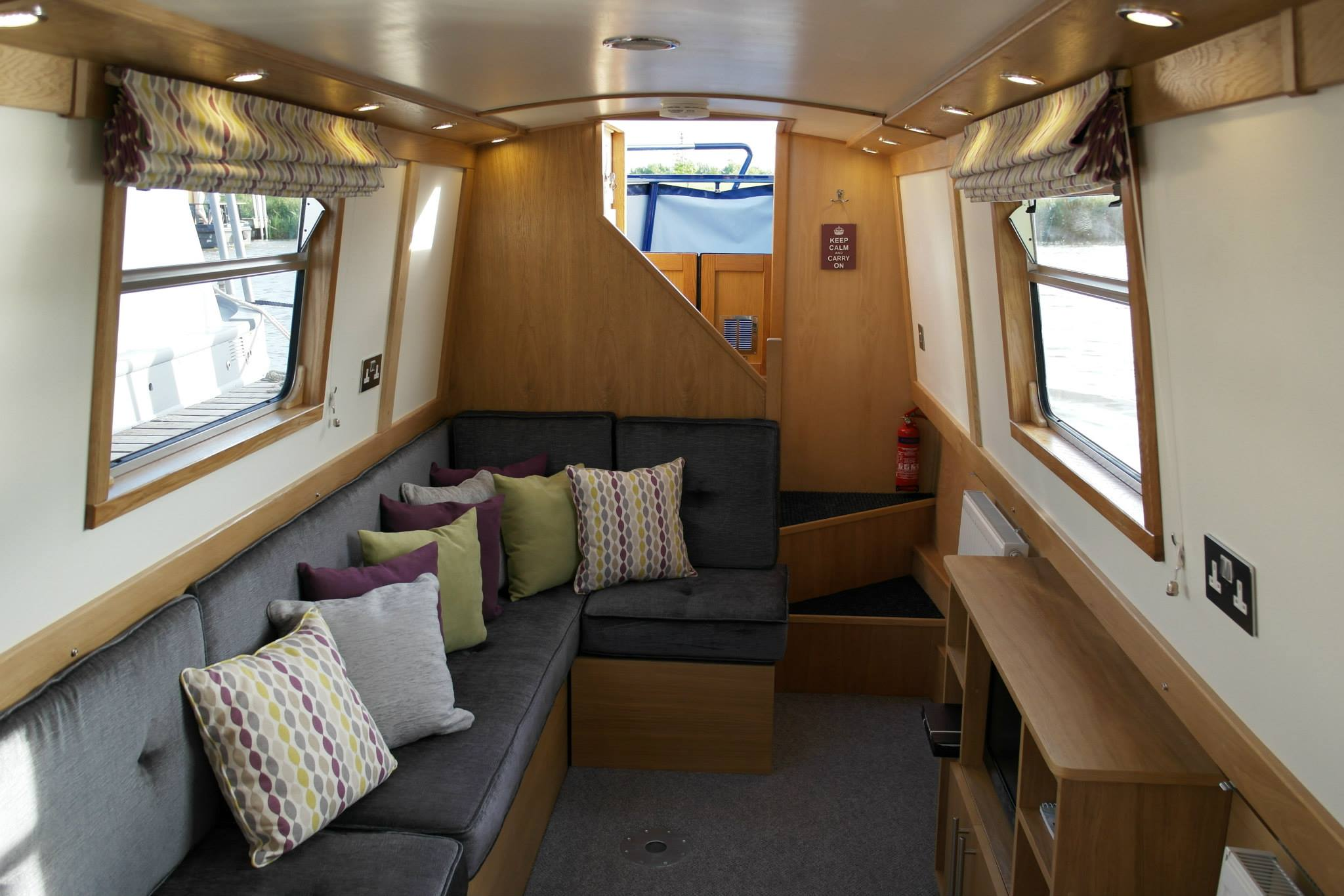 5 Star Ex Hire Boat For Sale   Narrowboat Sale   57ft Semi Cruiser ...