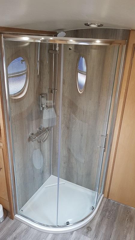 Aqua Life shower