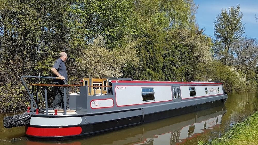 narrowboat builders