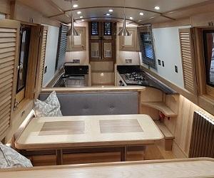 Luxury Canal Boat Hire & Holidays UK