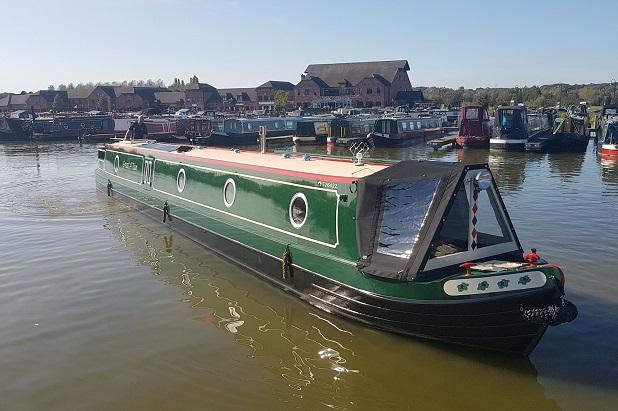 Luxury Narrowboat Hire